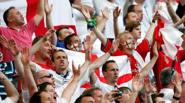 Английские болельщики восхитились дружелюбием россиян