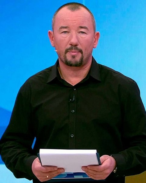 Ведущего Первого канала наказали за мат в прямом эфире